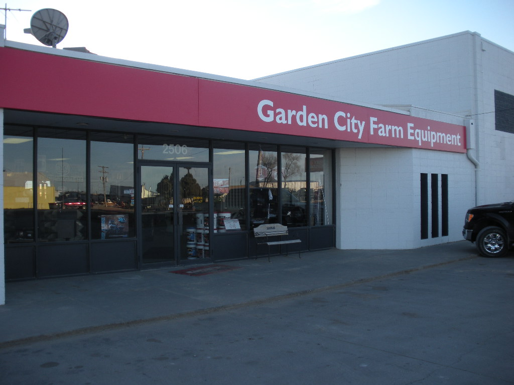 garden cty fm eq inc garden city ks authorized dealer case ih. Black Bedroom Furniture Sets. Home Design Ideas